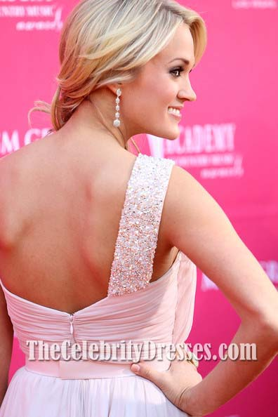 Carrie Uderwood Pink Prom Dress 44th Annual Academy Of