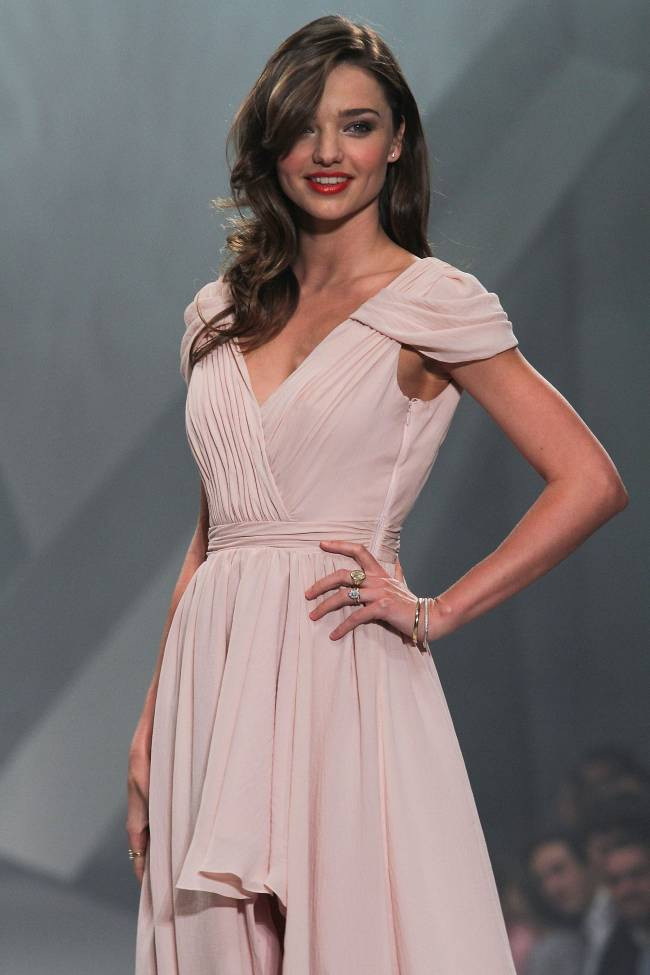 Miranda Kerr Hits The Runway Mexico City Hi Low Prom Gown Evening