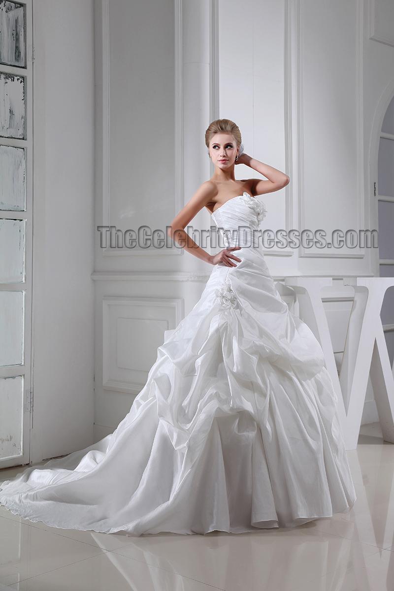 Chapel train strapless sweetheart a line ruffles wedding for Strapless wedding dress with ruffles