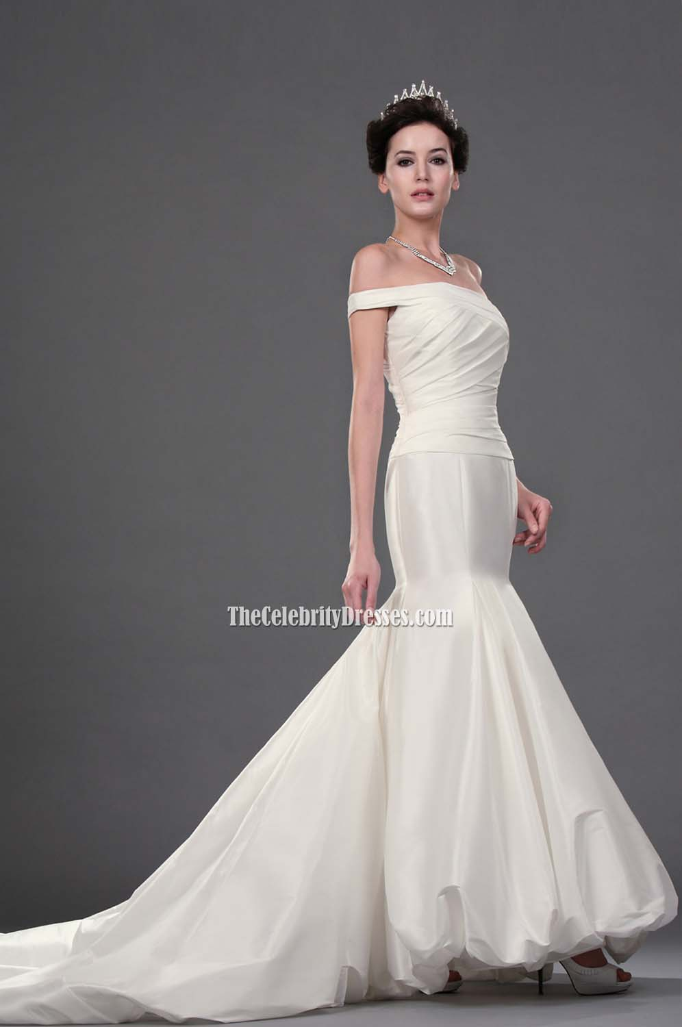 Anne Hathaway Wedding Gown In Movie Bride Wars Tcd0207 Thecelebritydresses