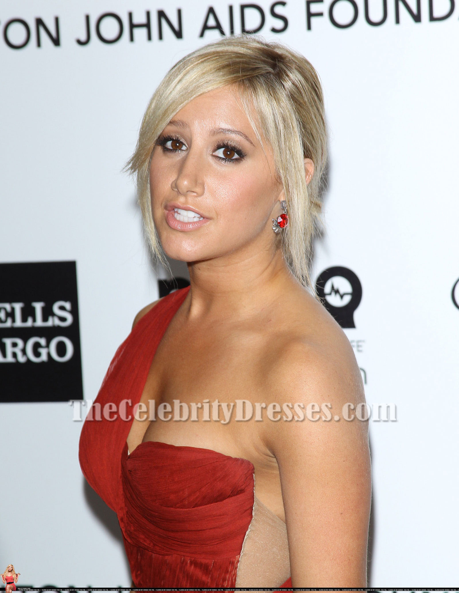 Ashley Tisdale Prom Dresses
