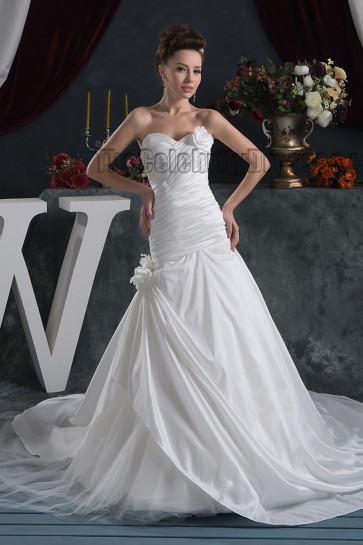 Discount Sweetheart Strapless A-Line Chapel Train Wedding Dress