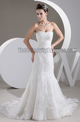Sheath/Column Strapless Lace Chapel Train Wedding Dresses