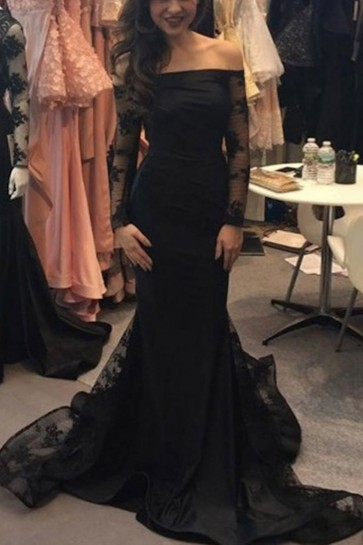Black Off-the-shoulder Mermaid Lace Prom Dress