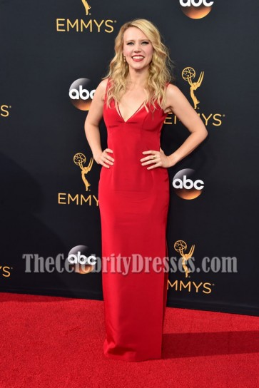 Kate McKinnon Red Deep V-neck Evening Dress 68th Annual Primetime Emmy Awards 3
