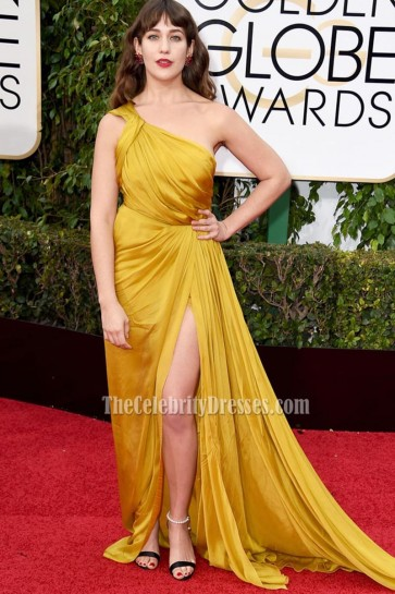 Lola Kirke 73rd Annual Golden Globe Awards Gold One-shoulder Red Carpet Dress High Slit Prom Gown 2