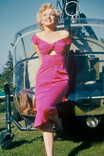 Marilyn Monroe Vintage Fuchsia Off-the-Shoulder Column Dress in Movie Niagara