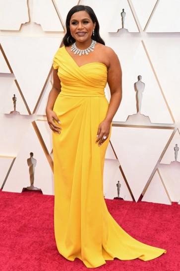 Mindy Kaling Yellow One-shoulder Formal Dress 2020 Oscars