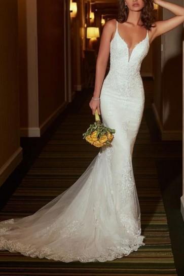 White V-neck Mermaid Lace Wedding Dress