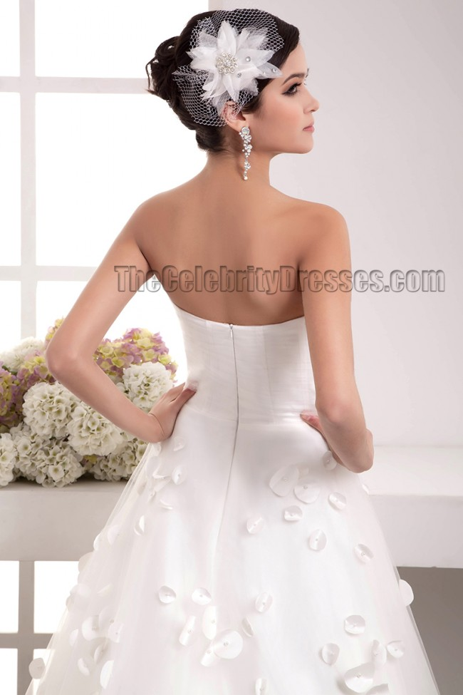 Celebrity inspired strapless a line chapel train wedding for Free wedding dress catalog
