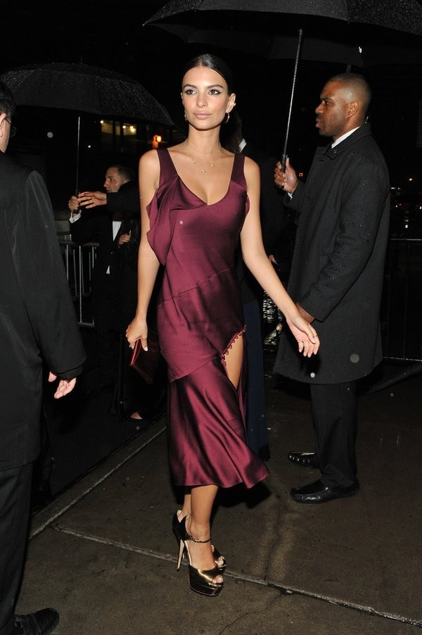 8aabd47122c Emily Ratajkowski 2016 Met Gala After Party Dress Burgundy Cocktail Dresses