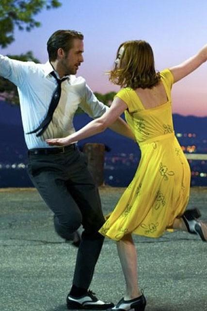 Emma Stone Yellow Print Dress Cosplay Costume In La La Land -  TheCelebrityDresses