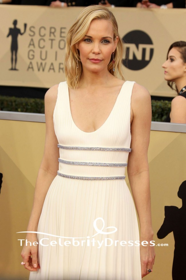 Leslie Bibb White Evening Gown 2018 Sag Awards Red Carpet