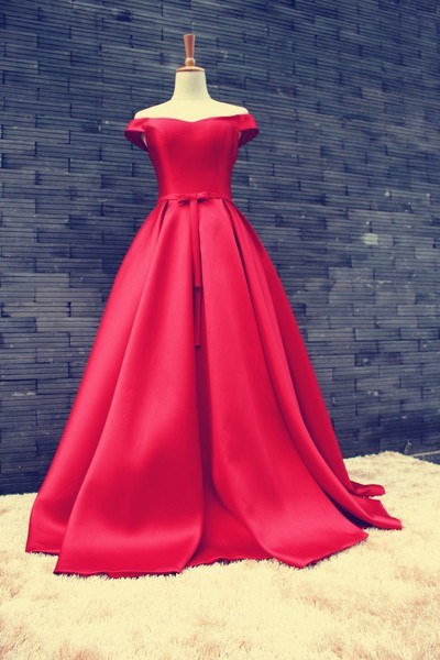 Women S Red Off The Shoulder Satin Ball Gown Prom Evening