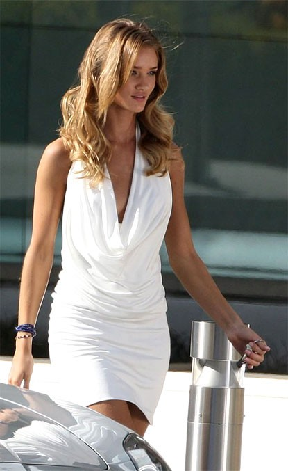 Rosie Huntington-Whiteley Short White Cocktail Dress Movie ...