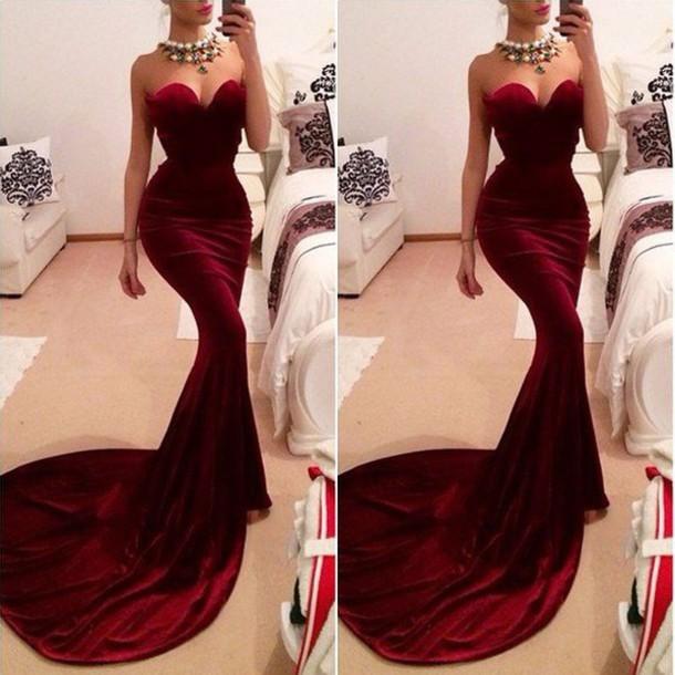 Sexy Red Mermaid Velvet Strapless Evening Dress