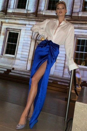 Elsa Hosk White Shirt And Royal Blue Skirt Two Pieces Set
