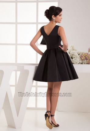 Chic Short A-Line Black V-Neck Cocktail Graduation Party Dresses