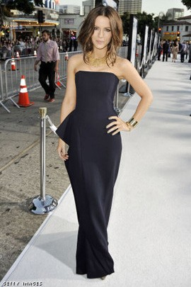 Kate Beckinsale Strapless Black Prom Gown Formal Dress at the Whiteout Premiere