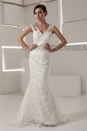 Sheath/Column Lace Chapel Train Wedding Dresses
