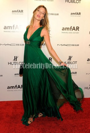 Chloe Bello Green Deep V-neck Prom Dress amfAR New York Gala Red Carpet