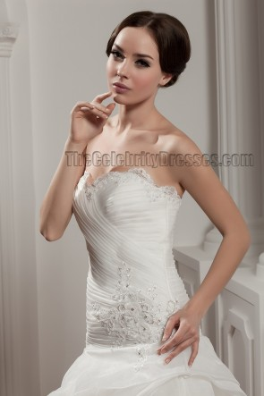 Elegant Floor Length Sweetheart Strapless Embroidered Wedding Dress