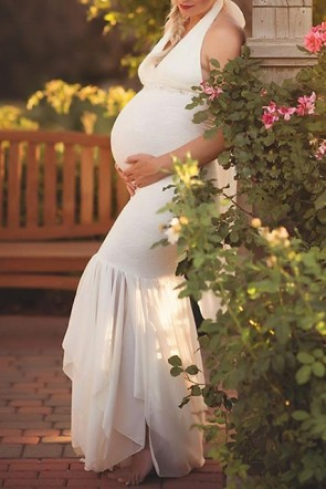 Elegant White Halter V-neck Mermaid Photoshoot Maternity Gowns (1)