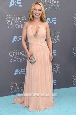 Hayden Panettiere Cut Out V-neck Evening Dress at Critics' Choice Award after treatment for PPD  1