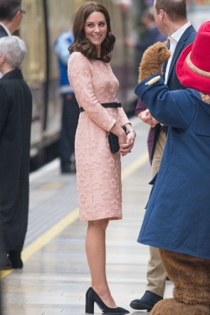 Kate Middleton Princess Pink Long Sleeves Short Dress