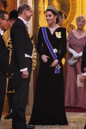 Kate Middleton Black Velvet Evening Dress With Sleeves