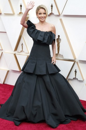 Kelly Ripa Black One-shoulder Ball Gown 2020 Oscars Red Carpet
