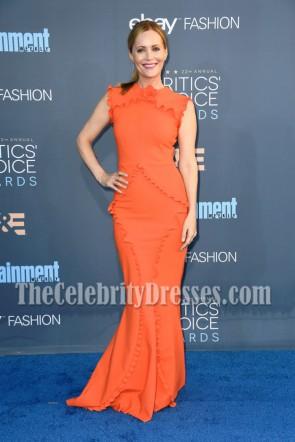 Leslie Mann Orange Ruffle Long Evening Dress 22nd Annual Critics' Choice Awards 3