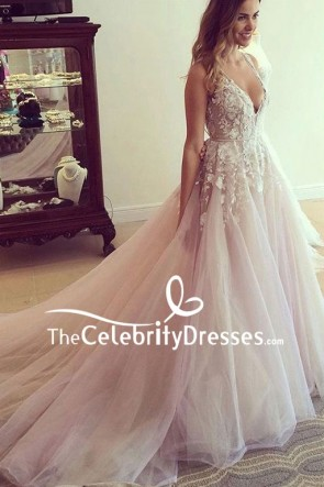 Luxury Tulle Deep V-neck Wedding Dress With Appliques