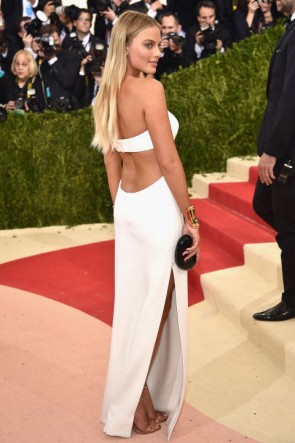 Margot Robbie White Cut-Out Evening Dress Met Gala 2016 TCD6667