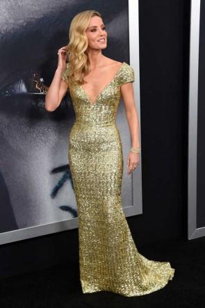 Annabelle Wallis Gold Sequins Cap Sleeves Deep V-neck Column Gown