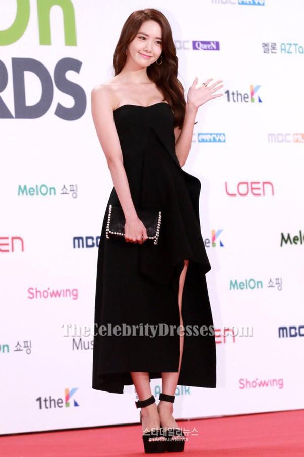 Yoona schwarzes trägerloses Abschlussballkleid 2015 Melon Music ...