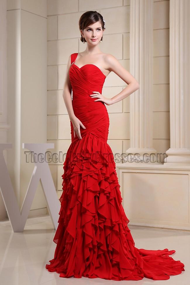 Promi inspiriertes rotes schulterfreies Abendkleid ...