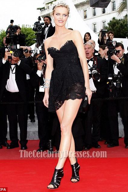 Eva Herzigova Kleines schwarzes Kleid Cannes Filmfest Roter Teppich ...