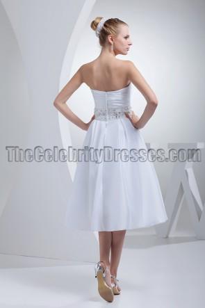Weißes trägerloses A-Linien-Brautkleid in Teelänge