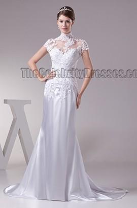 Promi inspiriertes hochgeschlossenes Brautkleid aus Spitze mit Flügelärmeln