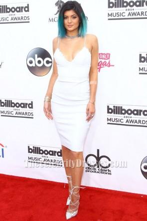 Kylie Jenner Weißes Kurzes Cocktailkleid Billboard Music Awards Roter Teppich TCD6004