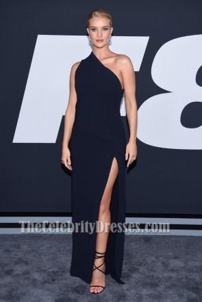 """Rosie Huntington-Whiteley Ein Schulter-Abendkleid """"Das Schicksal der wütenden"""" New Yorker Premiere"""