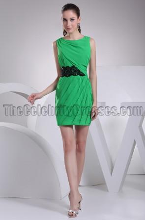 Kurzes grünes Mini-Partykleid Heimkehrkleid mit schwarzem Gürtel