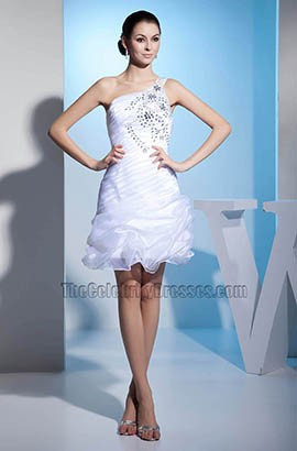 Kurzes Organza-Brautkleid mit einer Schulter und Perlenstickerei
