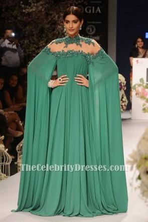 Sonam Kapoor sexy grünes backless gesticktes Abendkleid-Abschlussballkleid