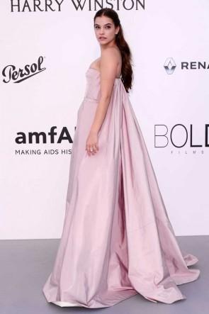 Barbara Palvin Rosa trägerlosen Festzug Prinzessin Ballkleid AMFAR Gala Cannes 2017