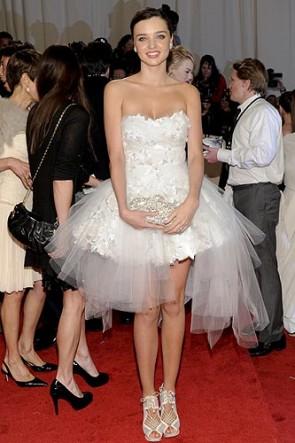 Miranda Kerr kurze weiße prom Kleid Cocktailkleider MET Ball 2011