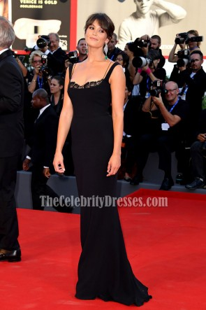 Gemma Arterton  Black Evening Dress 'La La Land' Premiere Venice Film Festival  4