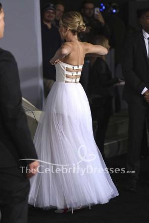 Jennifer Lawrence - Weißes und elfenbeinfarbenes, trägerloses Ballkleidkleid aus Tüll