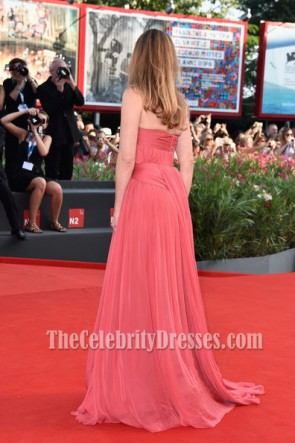 Julie Gayet Trägerloses Abschlussballkleid Eröffnungszeremonie 71. Venedig Film Roter Teppich